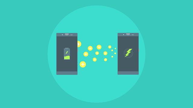Dos teléfonos móviles indican la carga de batería